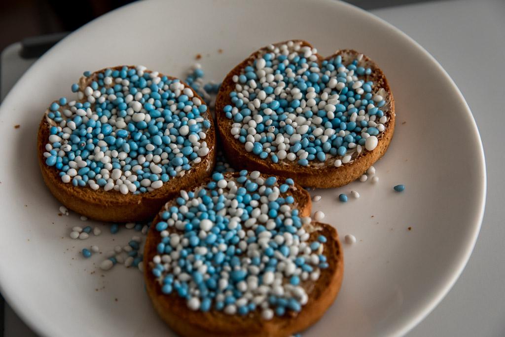 Beschuit met blauwe muisjes